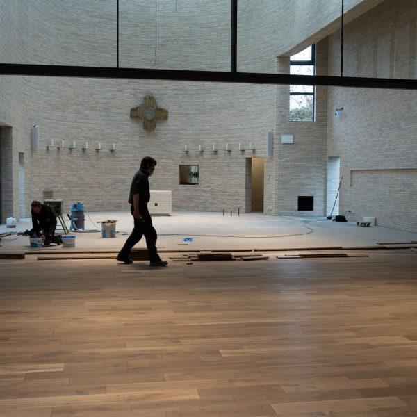 Kirche_Niederrad-16